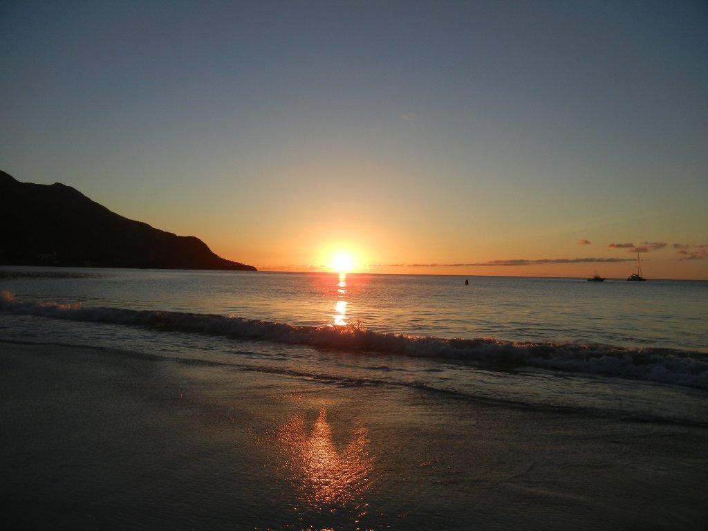 Sonnenuntergang am Beau Vallon