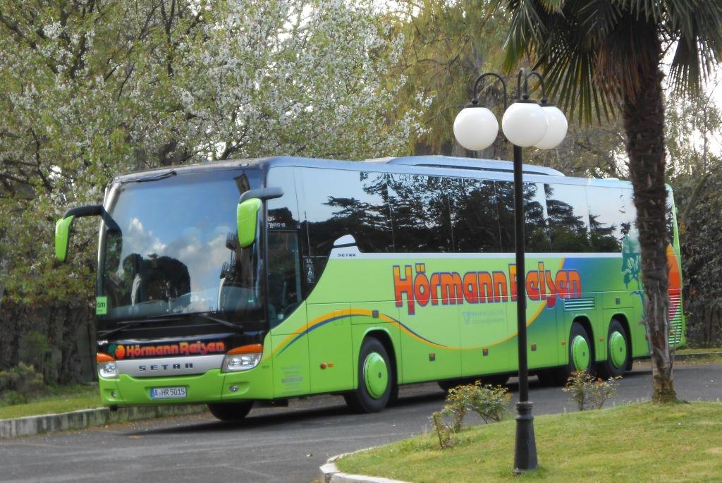 bus-am-hotel